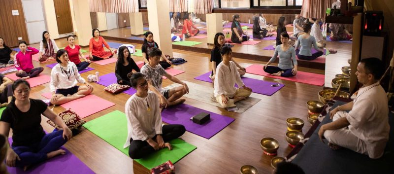 Yoga-Hall-Session